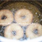 Donuts die frittiert werden