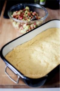 Rhabarberkuchen mit Marzipangitter